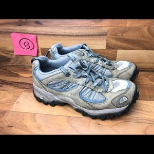 The north face hiking shoes women's size 7.5